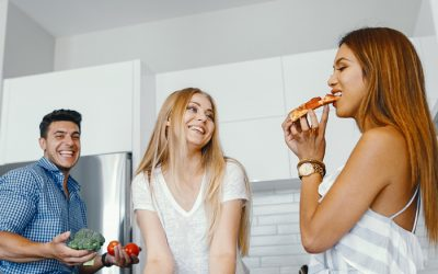 Top Tips for playing nice when you're house sharing as featured in YourCoffeeBreak